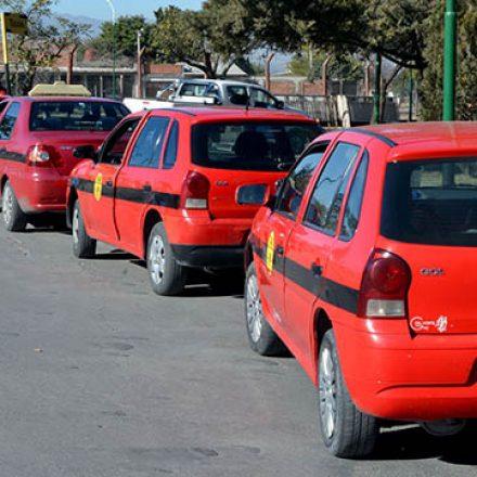 El Sindicato de Peones de Taxis Salta se opone al desembarco de Uber en la provincia