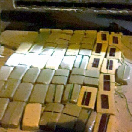 Gendarmería incautó 69 kilos de cocaína en una camioneta