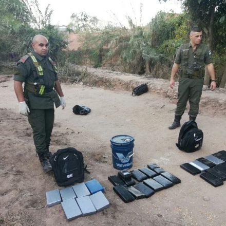 Decomisan más de 33 kilos de cocaína