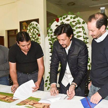 La Provincia y Aguas Blancas firmaron convenio para realizar obras de infraestructura urbana