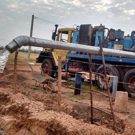 Con la perforación de un nuevo pozo se ampliará la provisión de agua potable en Las Lajitas