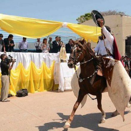 Isa participó de los festejos patronales en honor a la Virgen de la Merced en Urundel