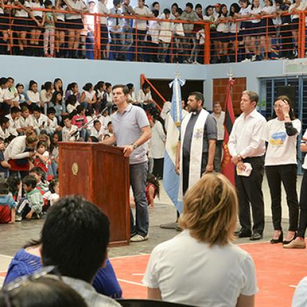 Urtubey inauguró un moderno complejo polideportivo en Las Lajitas