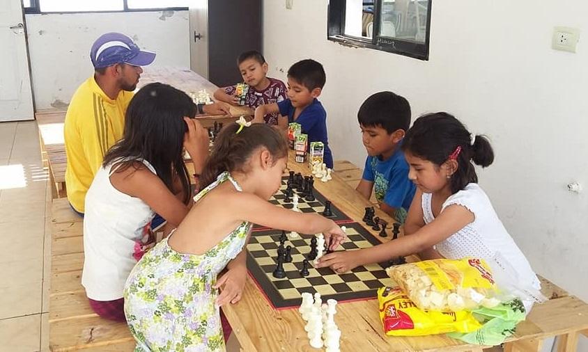 El Capital comenzaron los talleres gratuitos de ajedrez