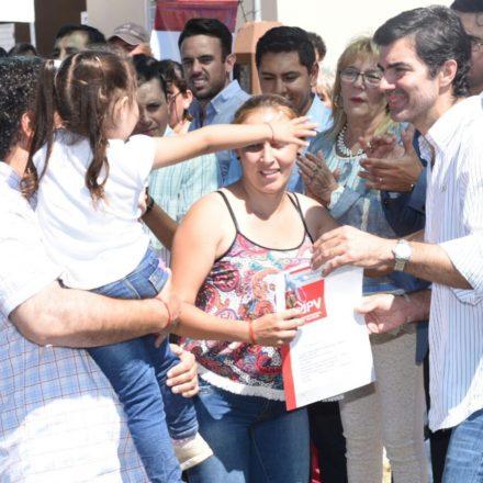 Entregaron 200 viviendas en Rosario de la Frontera