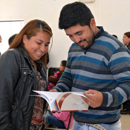 Entrega de viviendas y escrituras en Rosario de la Frontera