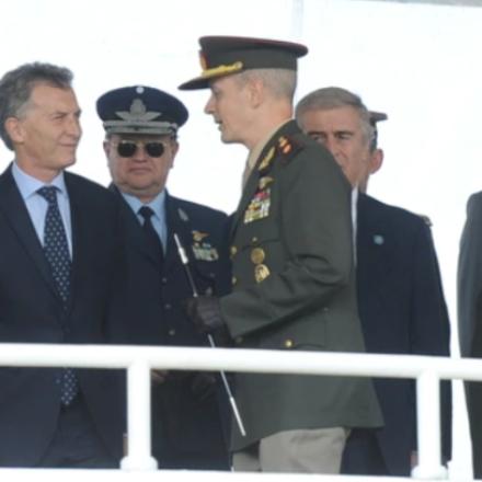Las Fuerzas Armadas custodiarán «objetivos estratégicos» de seguridad interior