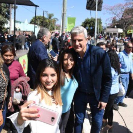 Zottos compartió con vecinos de Aguaray los festejos por el 107ª aniversario de su fundación