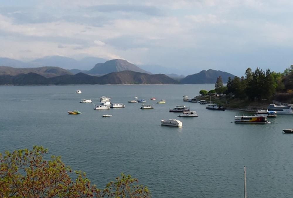 Rige la veda de pesca en tres diques de la provincia