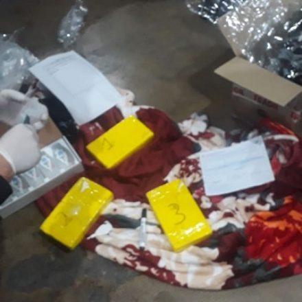 Incautan más de 3 kilos de cocaína acondicionados en una encomienda