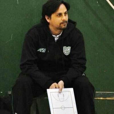 Juan Carlos Krogslund es el nuevo DT del Tribuno Básquetbol