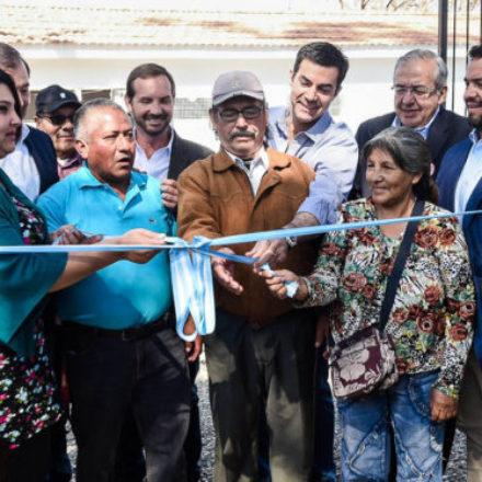 Urtubey inauguró el sistema de agua potable en Floresta que beneficia a miles de salteños