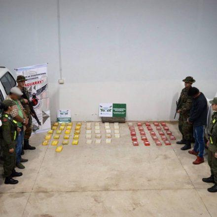 Gendarmería decomisó más de 66 kilos de cocaína ocultos en un doble fondo de una camioneta