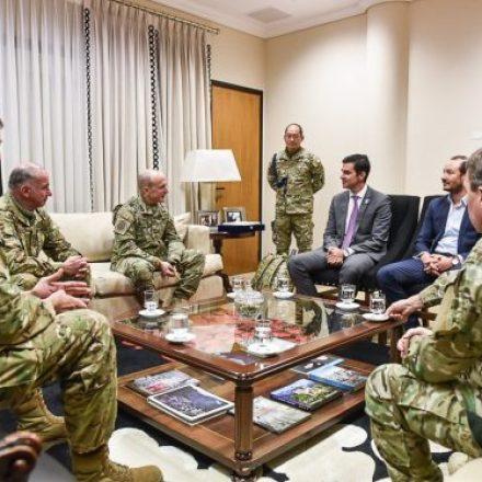 Urtubey se reunió con el jefe del Estado Mayor del Ejército quien informó sobre los operativos de fronteras