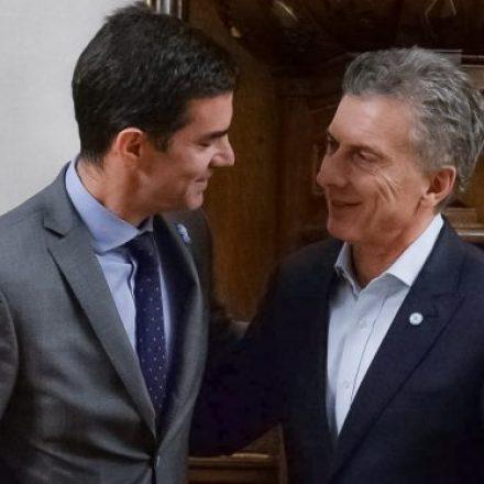 Urtubey presentó al presidente Macri las propuestas para el diálogo nacional