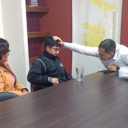 Juri recibió a Silvia Ibáñez y Mauricio Escalante el niño a quién quitaron su tarjeta SAETA de estudiante especial