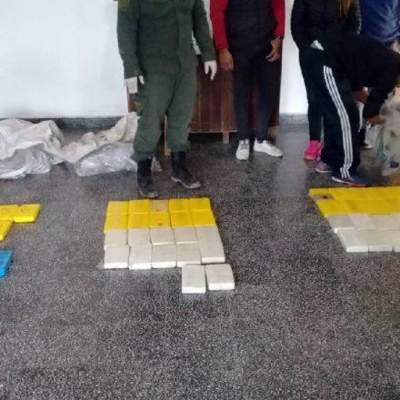 Gendarmería incautó más de 74 kilos de cocaína