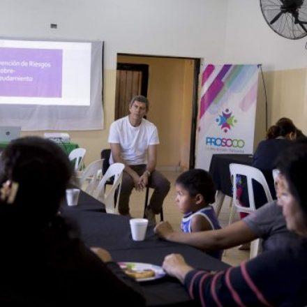 Yarade felicitó a mujeres emprendedoras y las alentó a continuar fortaleciendo sus hogares