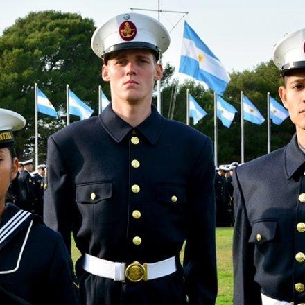 Marineros de Salta egresaron, juraron la bandera y fueron reconocidos por su mérito