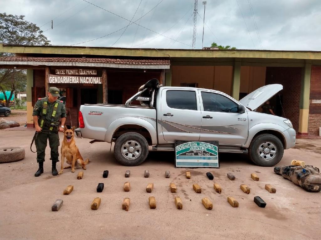 Secuestran más de 32 kilos de cocaína ocultos en el tanque de combustible de una camioneta