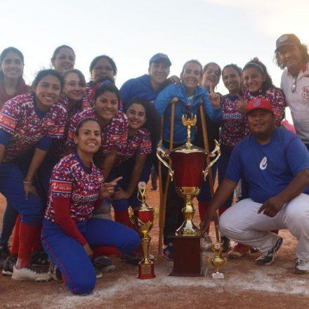 Cachorros Azul campeón del Torneo Femenino de Softbol realizado en Salta