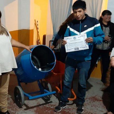 Emprendedores de Campo Quijano y Cerrillos recibieron herramientas para sus talleres familiares