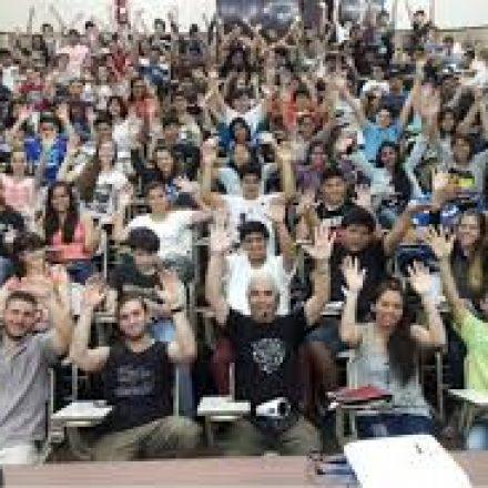 La apasionante historia del profesor prohibido que creó la mayor cuna de físicos del país