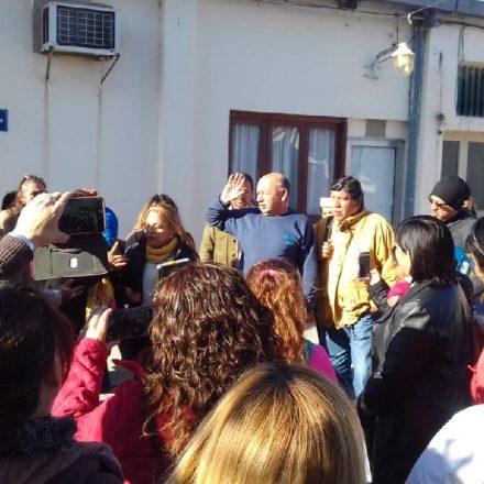 Reunión de docentes autoconvocados con la ministra Berruezo