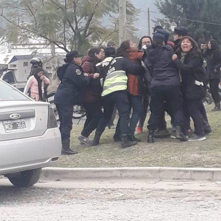 Paro docente: entrevistas y enfrentamientos con la policía (videos)