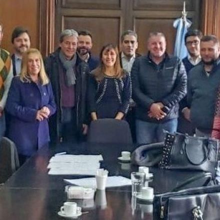 La ministra Pinal de Cid participó en el acuerdo con trabajadores petroleros de Salta y Jujuy