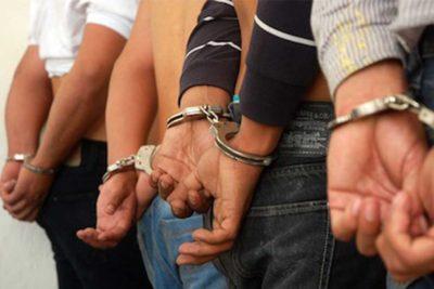 Cuatro policías detenidos por la muerte de un joven