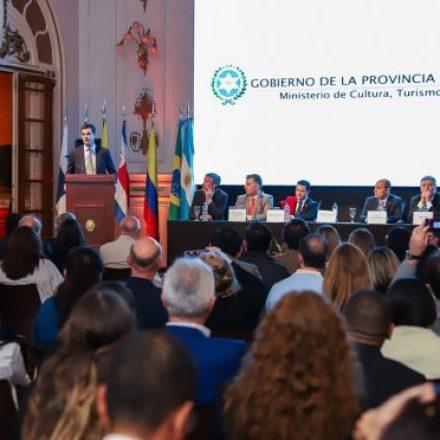 """""""El turismo motoriza las fuentes de ingresos y es un gran generador de trabajo registrado"""", dijo Urtubey"""