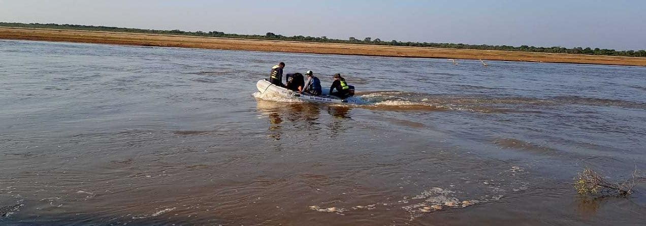 Intensa búsqueda de un pescador en las aguas del rio Bermejo