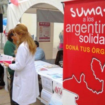 El CUCAI registra a donantes de órganos en el atrio de la Catedral