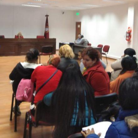 Por usurpación de propiedad, se realizó una audiencia con sesenta demandados