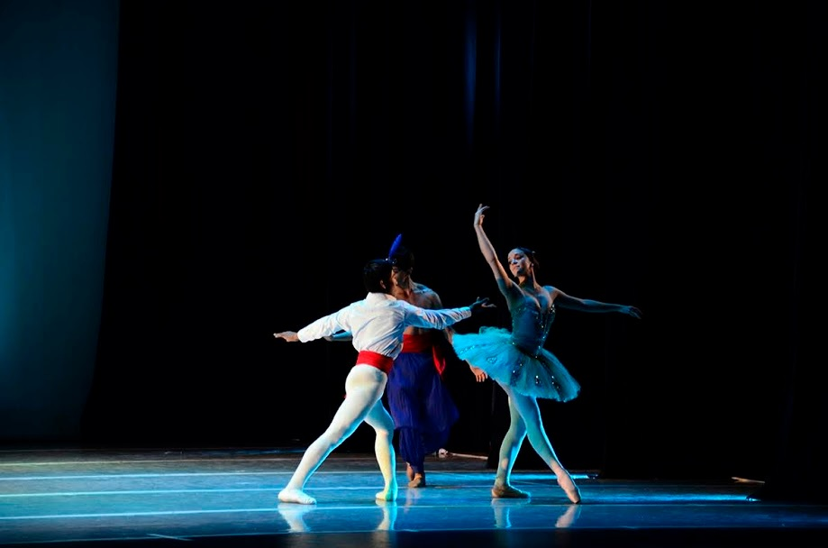 Con entrada libre y gratuita la Escuela Oficial de Ballet se presentará en el Club 20 de Febrero