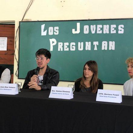 """En La Caldera se realizó la charla sobre turismo, """"Los Jóvenes Preguntan"""""""