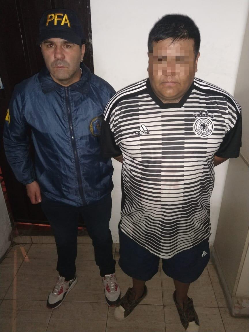 Detuvieron a tres personas  que hacían delivery de drogas