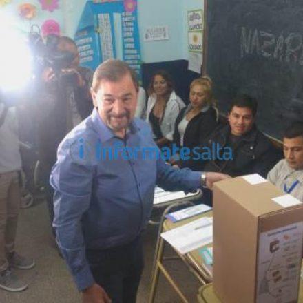 Votó Miguel Isa: «Fue una campaña limpia, sin agravios de mi parte»