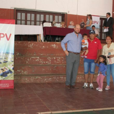 En Embarcación se realizó el sorteo público de viviendas del IPV