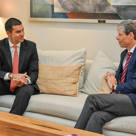 El Gobernador Urtubey recibió los saludos protocolares del embajador de Suiza