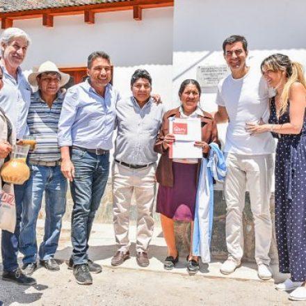 El Gobierno sumó un nuevo servicio de documentación y entregó viviendas en Iruya