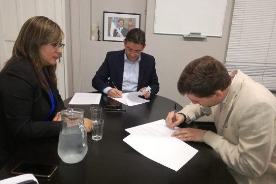 Defensa del Consumidor firmó convenio con Banco Galicia