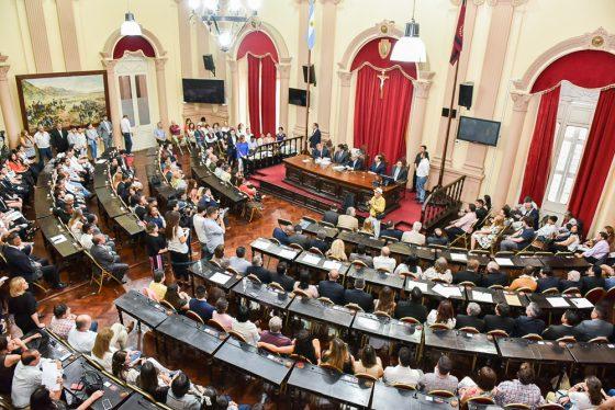 Prestaron juramento los 30 diputados electos por la Provincia