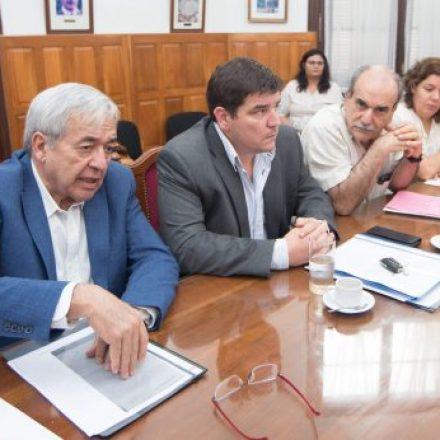 Diputados junto a autoridades del Ente Regulador de Servicios Públicos evaluaron la prestación de los servicios de agua y luz