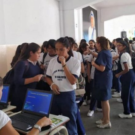Saeta visitará las escuelas para renovar el pase libre estudiantil