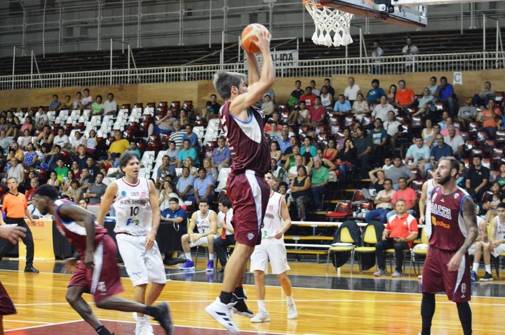Triunfo de Salta Basket en el Delmi ante San Isidro