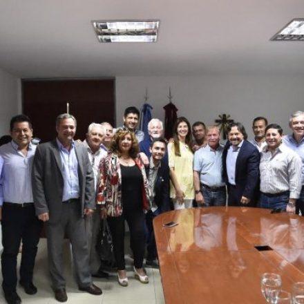 Sáenz se reunió con los intendentes electos del frente que lidera