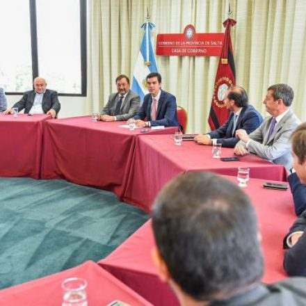 El gobernador Urtubey encabezó la última reunión de Gabinete de su gestión