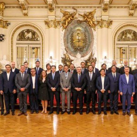 Sáenz participó de la reunión de gobernadores con el presidente Fernández